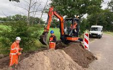 Er wordt hard gewerkt aan de Middelveenseweg.