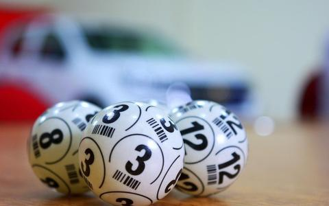 De bingo is op de nieuwe locatie Landgoed Glinstra State in Burgum.