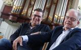 Pianist Harold Kooij (links) en organist Ronald Knol zijn al 22 jaar muzikale kameraden.