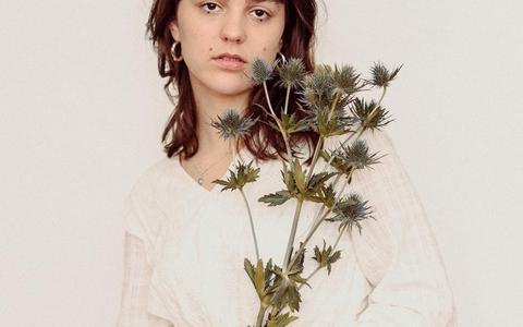 Daisy Bellis.