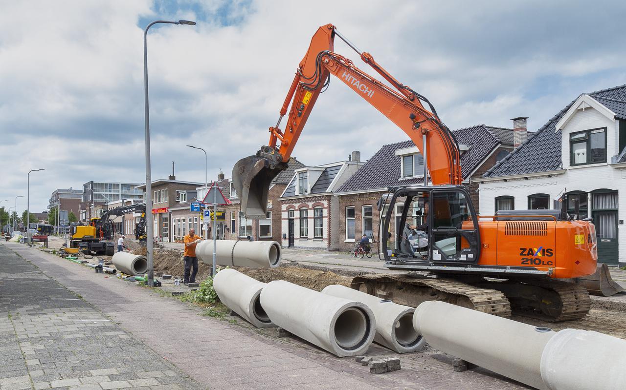 Er wordt een nieuw riool aangelegd in de Grote Kerkstraat.