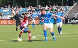 Raphael Ngendakumana hier in actie voor VV Emmen tegen Hoogeveen.