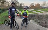 Fietscrossers Emil Pekel en Ivo van der Haar kijken vol verwachting uit naar de fietscrossclinic van Robin Dijk.