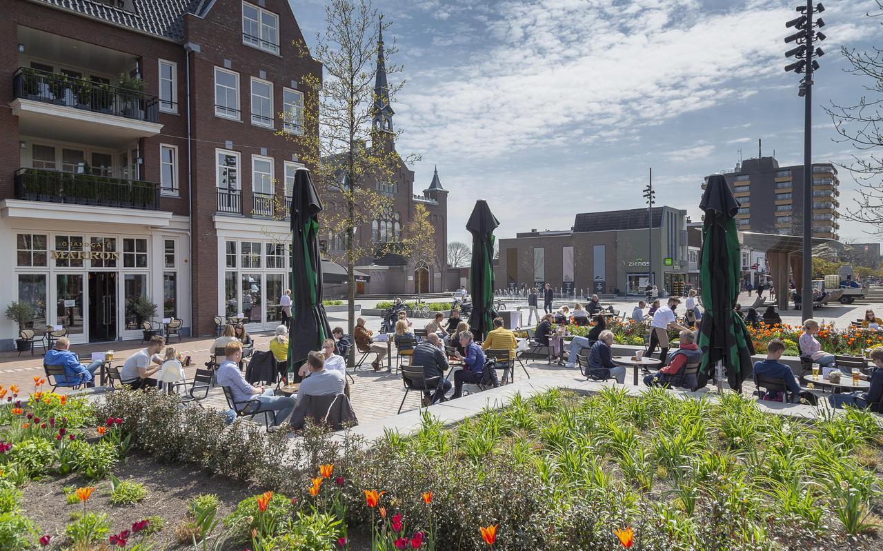 Het terras van Grandcafé Marron in Hoogeveen