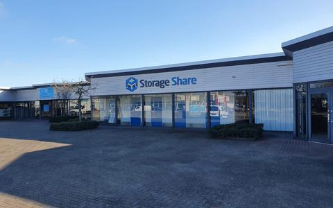 Het pand van Storage Share aan de Parmentierstraat in Hoogeveen.