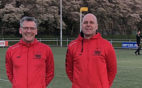 Jan Bijkerk (rechts) en Evert Krikken blijven volgend seizoen bij ZKC'19.