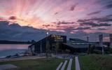 Paviljoen Nijstad met zonsondergang.