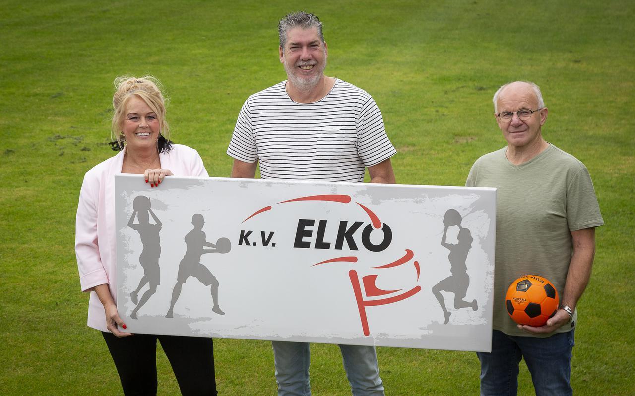 Op het veld: v.l.n.r. Marietje ten Cate (vz), Bert Snippe (bestuurslid) en Bert 'Mister Elko' Schonewille.