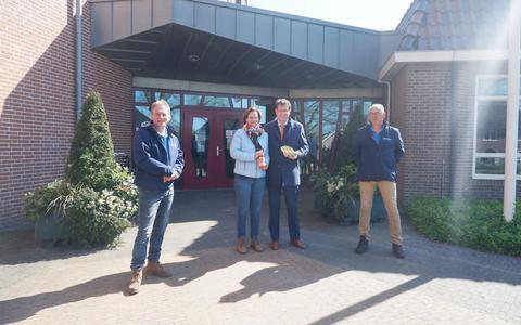 Bezoek uit Ansen voor de jarige burgemeester.