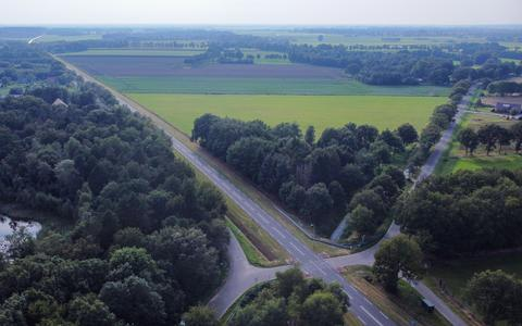 De oversteek over de N375 bij Gijsselte, een van de twee oversteken waar werkgroepen opteerden voor een landbouwtunnel.