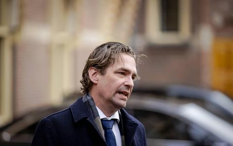 Minister van 't Wout.