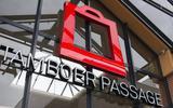 De Tamboerpassage in Hoogeveen moet over een jaar of vier sluiten. Daar werken bestuur van de Vereniging van Eigenaren (VvE) en de gemeente Hoogeveen naar toe.