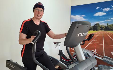 Geranie Ovinge sportief aan de slag bij EMFysio in Emmen.