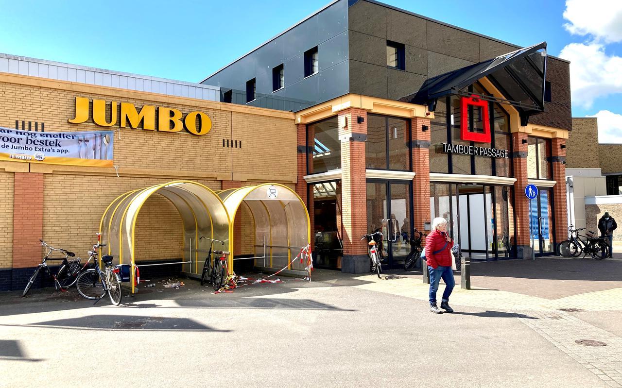De Tamboerpassage in Hoogeveen moet over een jaar of vier sluiten en plaatsmaken voor woningbouw. De verwachting is dat de Jumbo in elk geval blijft.
